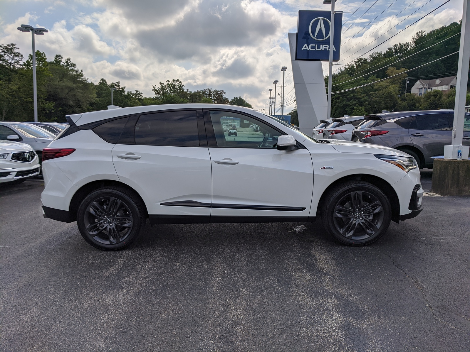 new 2021 acura rdx shawd with aspec package in platinum